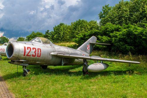 plane museum exhibit