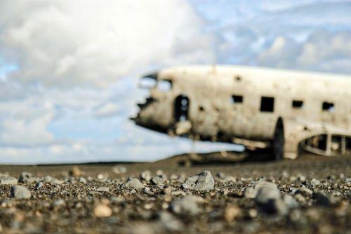plane destroyed broken