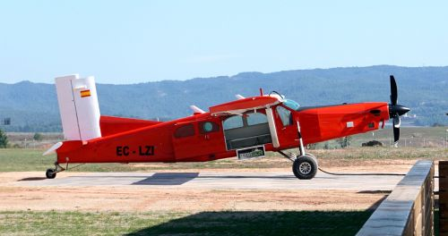 plane red propellers