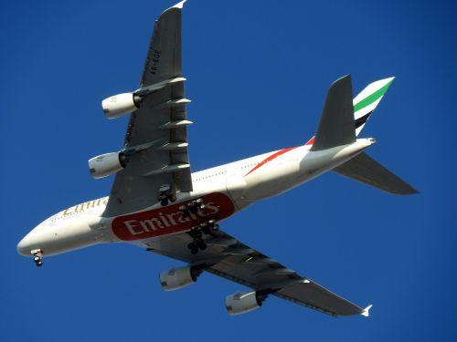 plane a380 dubai