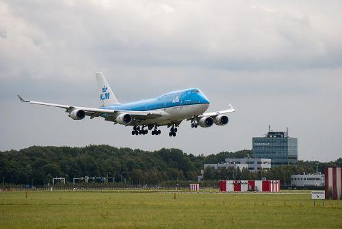 plane runway klm