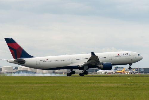 plane delta airline