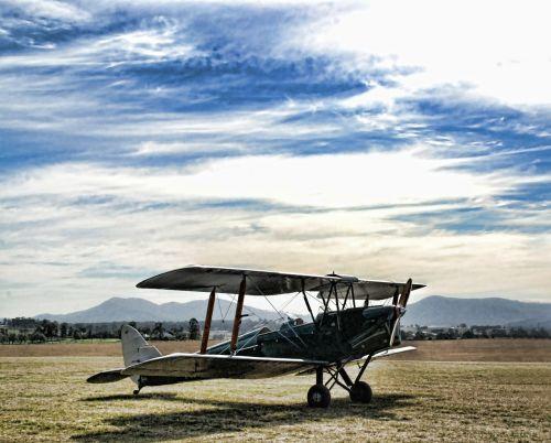 plane propeller airplane