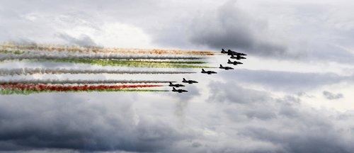plane  tricolor arrows  clouds