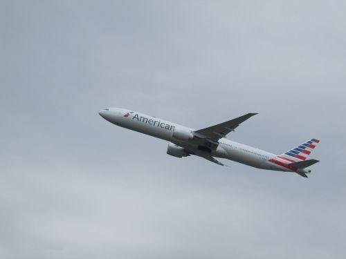 plane spotting plane heathrow