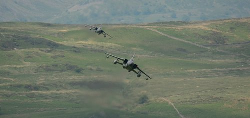 planes  low level  mach loop