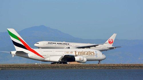 planes  emirates  airbus a380
