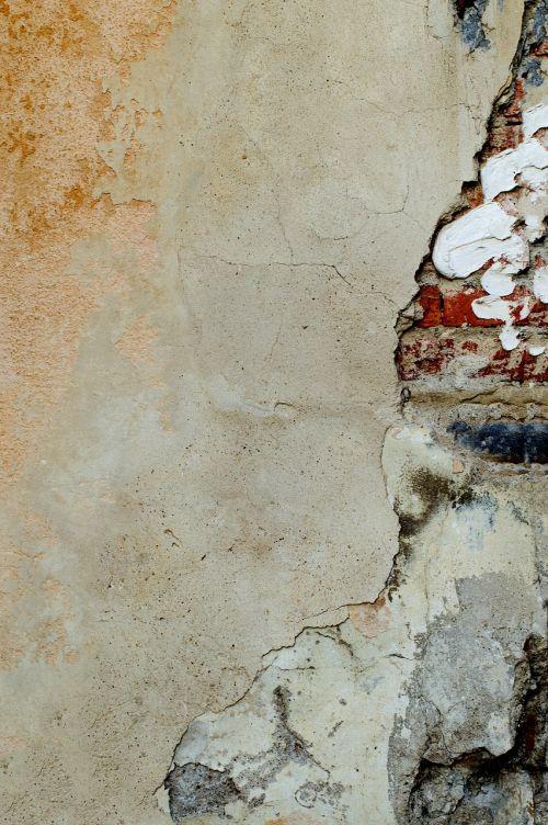 plaster damaged bricks