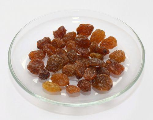 plate raisins healthy