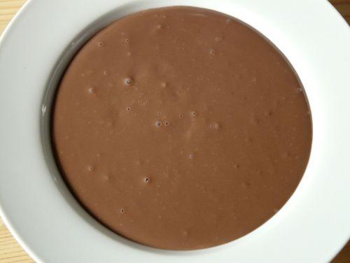 plate pudding chocolate pudding