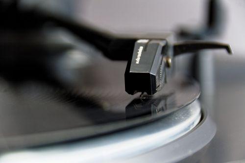 plate turntable vinyl