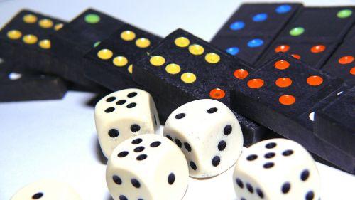žaisti,linksma,Domino,kubas,laimėti,prarasti,taktika