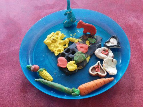 minkyti,molio modeliavimas,vaikai,kūrybingas,Tinker,fantazija,menas,kūrybiškumas,darželis,amatų medžiagos,spalva,mažas vaikas,vaikas,mada
