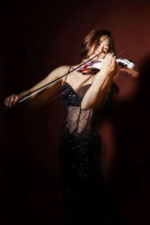 played violinist e-violin