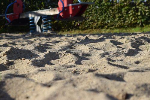 playground sand leave