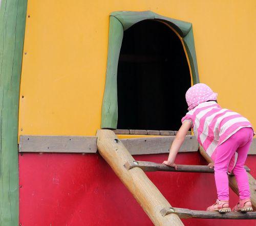 playground child climb