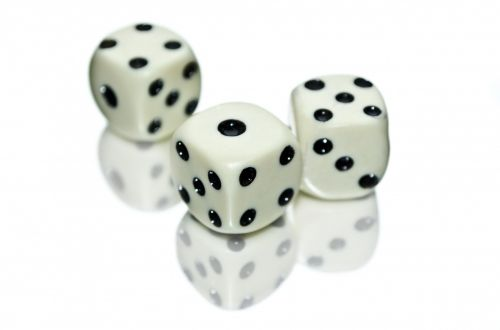 kauliukai, sakydamas, lošti, izoliuotas, kvadratas, galimybė, laisvalaikis, pomėgiai, linksma, balta, turtas, lažybos, sėkmė, azartiniai lošimai, kubas, suskaičiuoti, laimėti, šešėlis, pastebėtas, pozityvumas, taškai, lygis, juoda, Iš arti, figūra, rizika, sėkmė, žaidimai, numeris, kaulai, mirti, kritęs, žaisti kauliukus