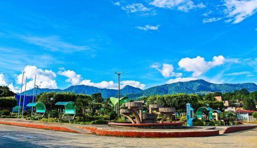 plaza,kraštovaizdis,kalvos,miesto kraštovaizdis,architektūra,miestas,paminklas