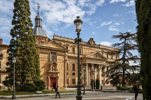 plaza de anaya  salamanca  palace