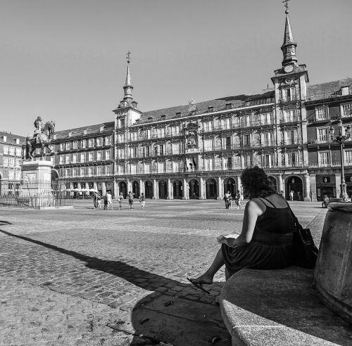plaza mayor madrid black white city