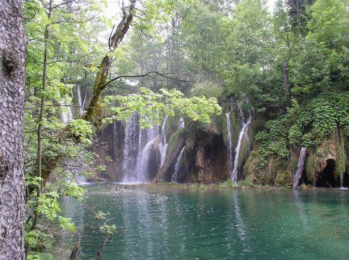 plitvice croatia cascade