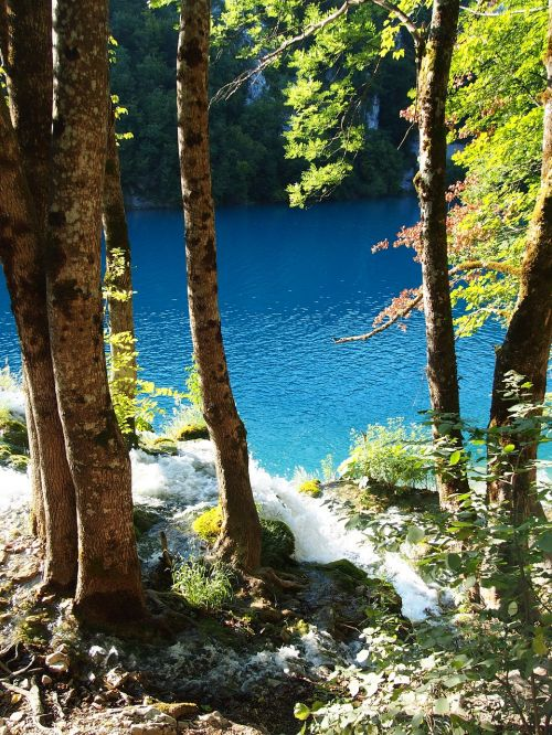 plitvice lakes croatia blue