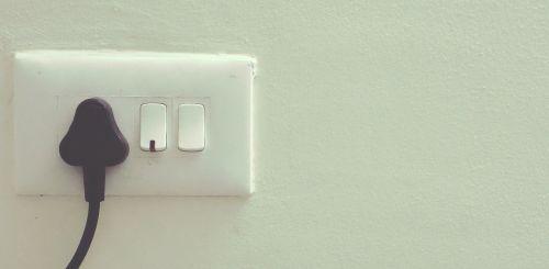 plug light electricity