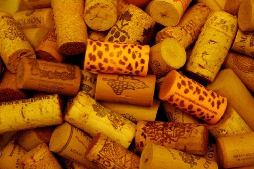 plugs corks wine