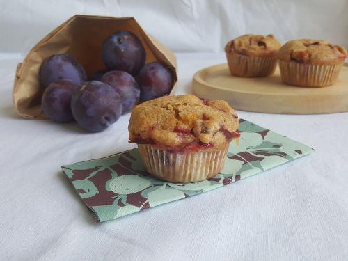 plum muffins cake