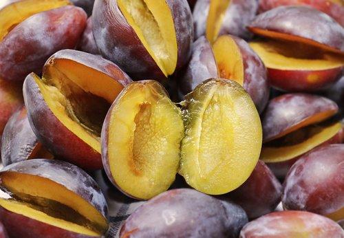 plums  half fruit  fruit