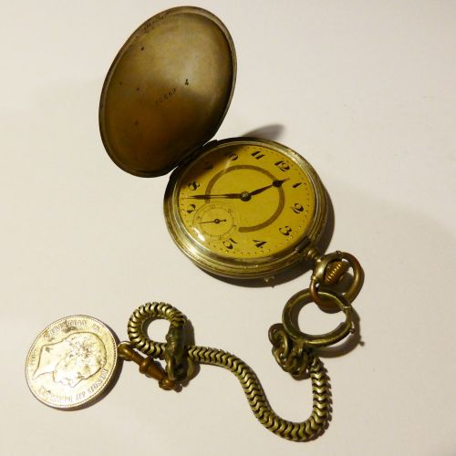pocket watch time of gold