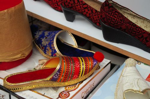 Pointy Toe Shoes In Arab Market