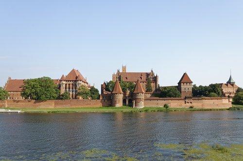 poland  malbork castle  zamek malbork