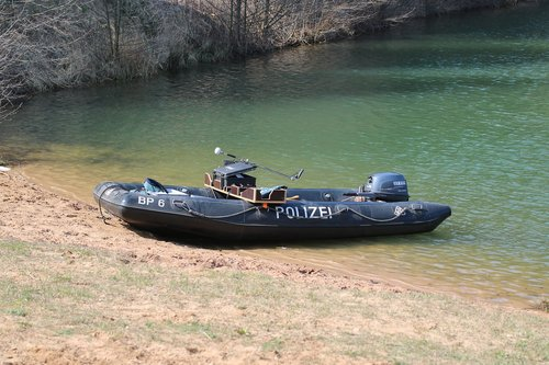 police  divers  boat