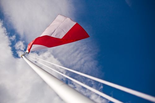 polish flag independence the mast