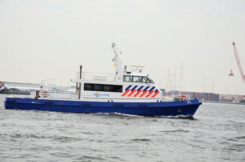 vandens gyvūnai, vanduo, valtis, laivas, plaukiojimas, policija, kontrolė, policija