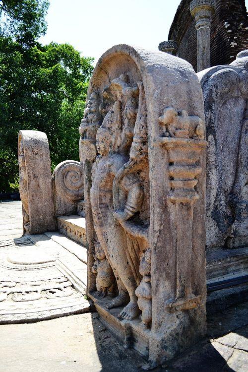 polonnaruwa ancient ruins ancient