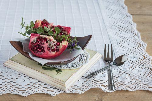 pomegranate pomegranate seeds fruit
