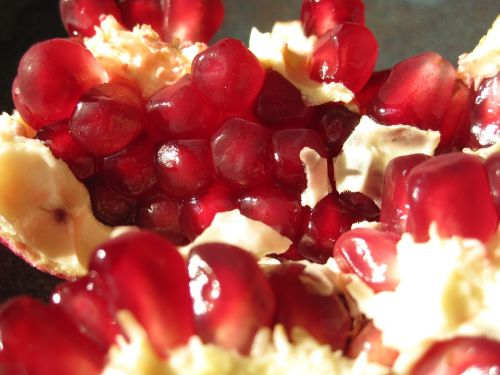 pomegranate seeds red