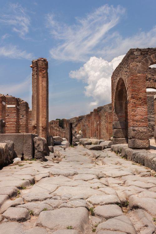 pompei archeology italy