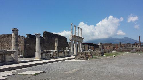 pompeii naples campania