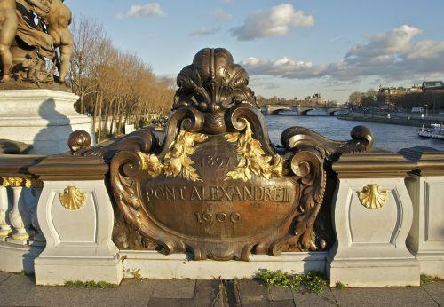 pont alexandre iii bridge plaque