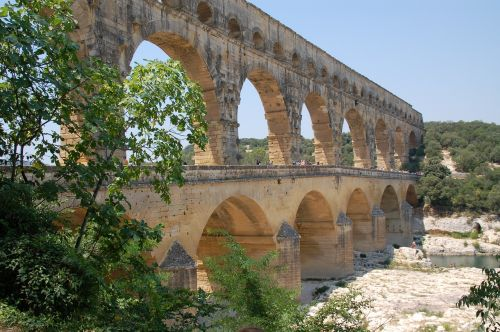 pont du gard summer holiday