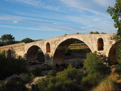 pont julien bridge roman stone arch bridge