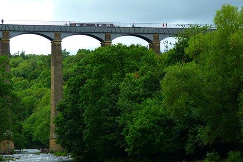 pontsycyllte  aqueduct  canal