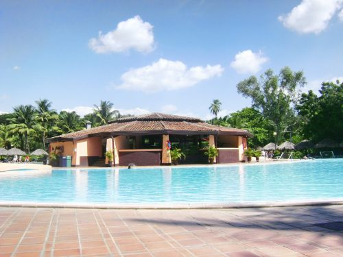 pool relax bar