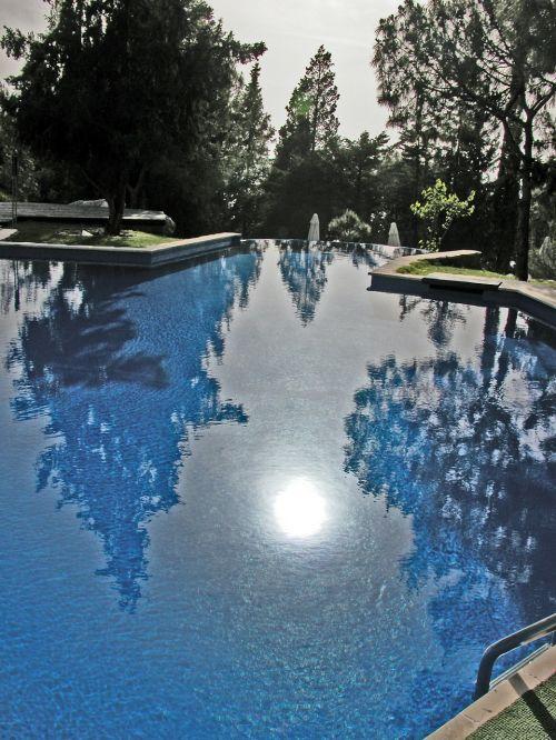 pool water mirroring