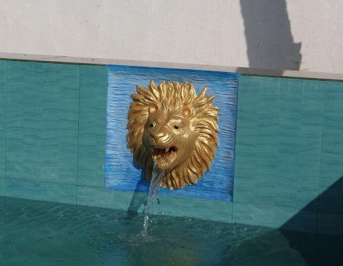 pool fountain water