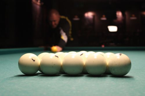 pool table balls cue