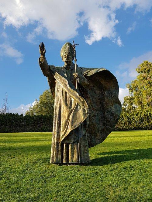 pope john paul ii  statue  pope